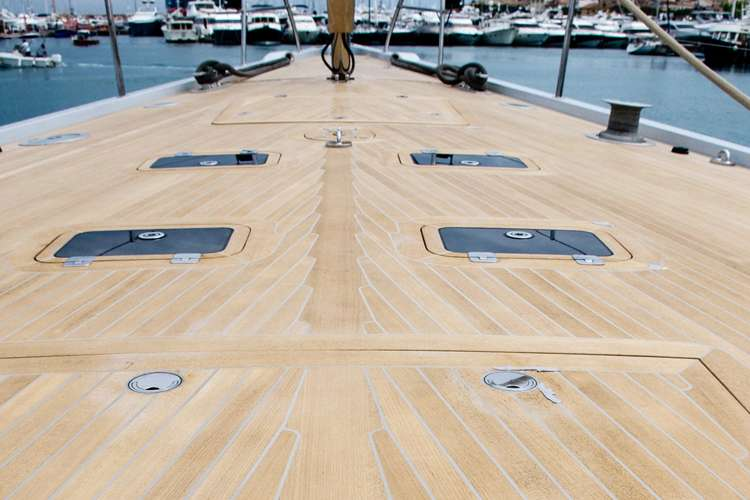 Sailing yacht decking by H.Y.S.