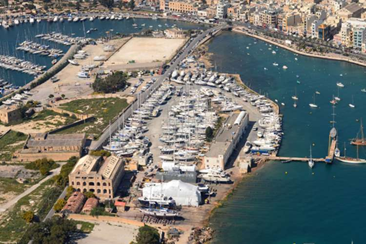 Aerial image of the Manoel Island shipyard