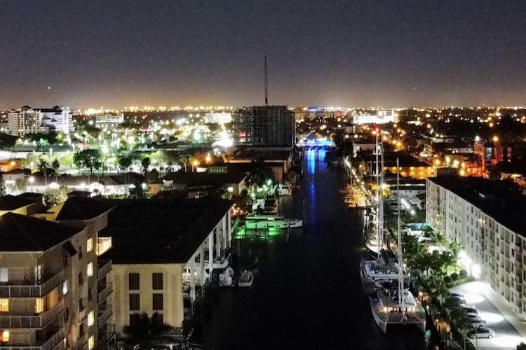 Night image of Fort Lauderdale